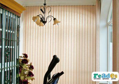 cristalera-vivienda-cortinas-verticales-reades-3