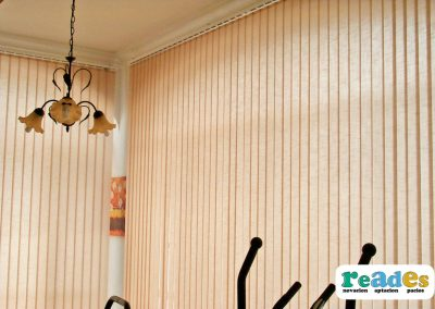 cristalera-vivienda-cortinas-verticales-reades-5