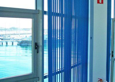 oficina-gibraltar-cortina-vertical-reades-2