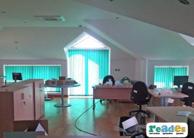 oficinas-gibraltar-cortinas-verticales-reades-1