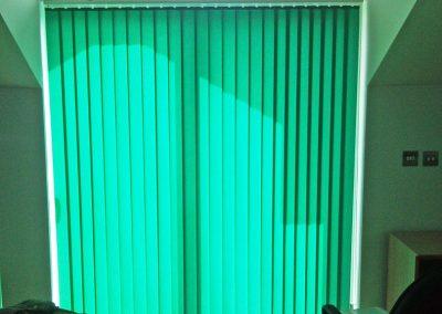 oficinas-gibraltar-cortinas-verticales-reades-3