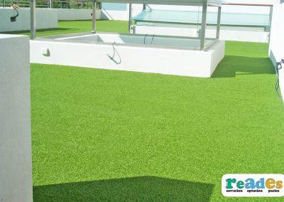 terraza-cesped-artificial-vivienda-reades-5