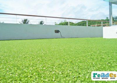 terraza-cesped-artificial-vivienda-reades-6